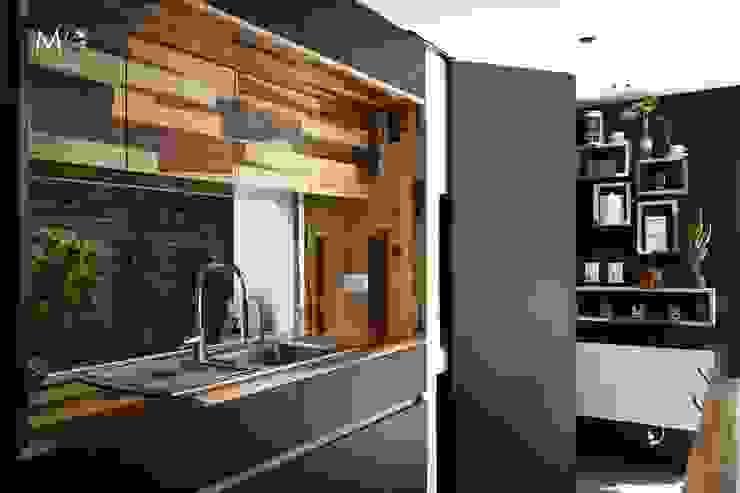 廚房 by estudio  M, 現代風