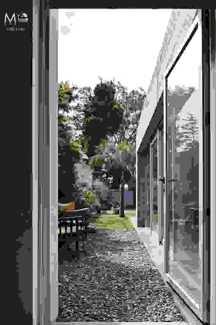 Modern Garden by estudio M Modern