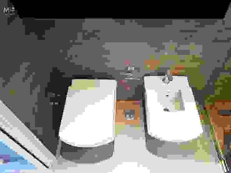 Modern Bathroom by estudio M Modern