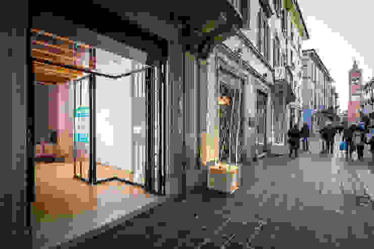 ADIdesign* studio Офіси та магазини