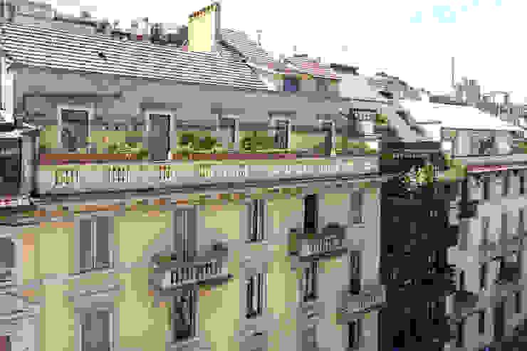 ADIdesign* studio Classic style balcony, veranda & terrace