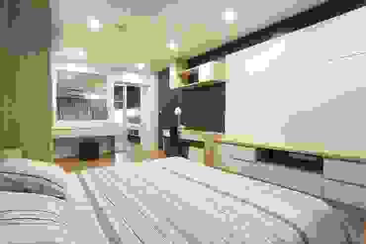 แปลงโฉมห้องเก่า: ทันสมัย  โดย BAANSOOK Design & Living Co., Ltd., โมเดิร์น