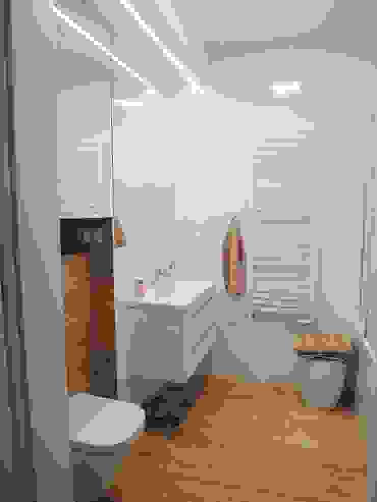 Skandinavische Badezimmer von NaNovo Skandinavisch
