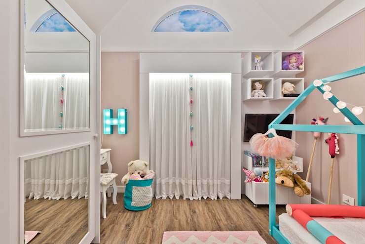 Eclectic style nursery/kids room by Ana Crivellaro Eclectic