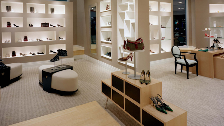 Shoe store in Pune Modern study/office by The Sasha Interiology Modern