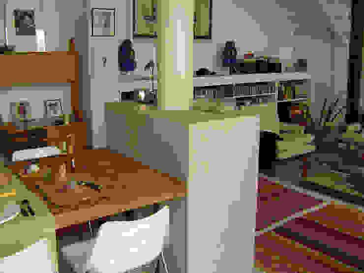 Salon moderne par Paula Mariasch - Juana Grichener - Iris Grosserohde Arquitectura Moderne