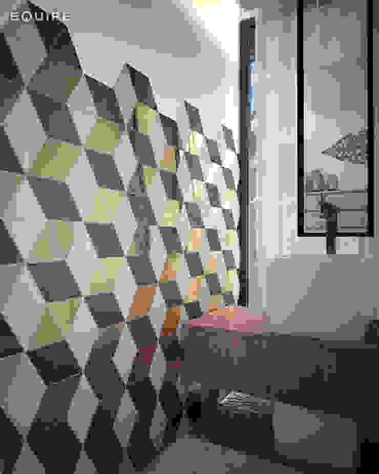 Scale Triangolo Baños de estilo mediterráneo de Equipe Ceramicas Mediterráneo Cerámico