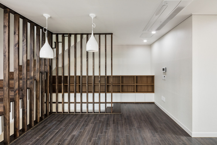 붐박스 하우스 (Boombox House) 모던스타일 거실 by 투엠투건축사사무소 모던