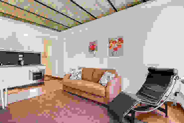Ruang Keluarga Modern Oleh Luca Tranquilli - Fotografo Modern