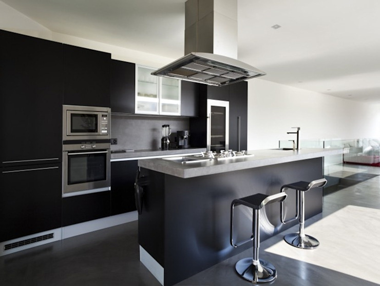 Modern Fitted Kitchens by Capital Bedrooms