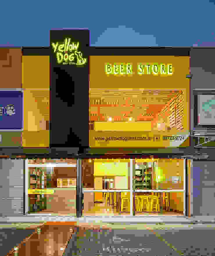 Industrial style bars & clubs by Estúdio Pantarolli Miranda - Arquitetura, Design e Arte Industrial Engineered Wood Transparent