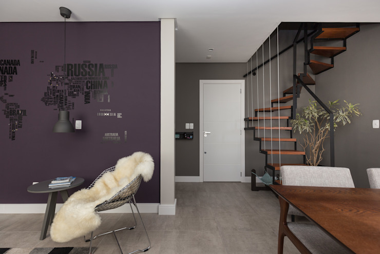 Modern Corridor, Hallway and Staircase by Rabisco Arquitetura Modern