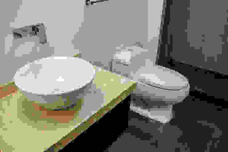 Estilo Homes Baños de estilo minimalista