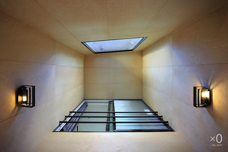 Koridor & Tangga Modern Oleh 바이제로 Modern