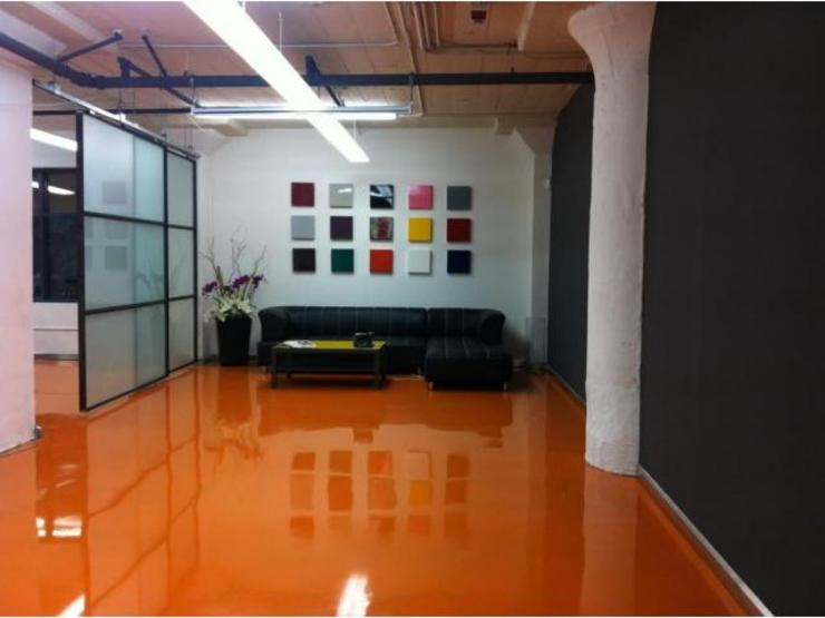 Modern Walls and Floors by Infinity Pisos Modern Marble