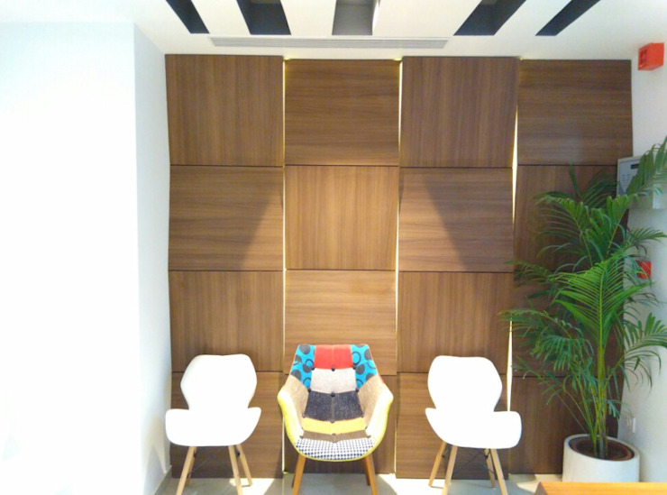 Reception/Waiting Ravi Prakash Architect Eclectic style study/office Engineered Wood White