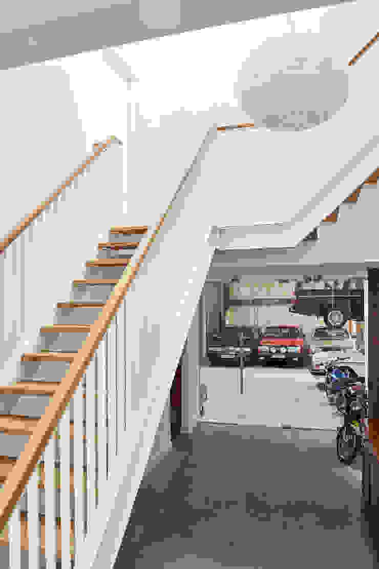 Woonboerderij Onnen - Doorkijk Hal & Garage Landelijke gangen, hallen & trappenhuizen van MINT Architecten Landelijk