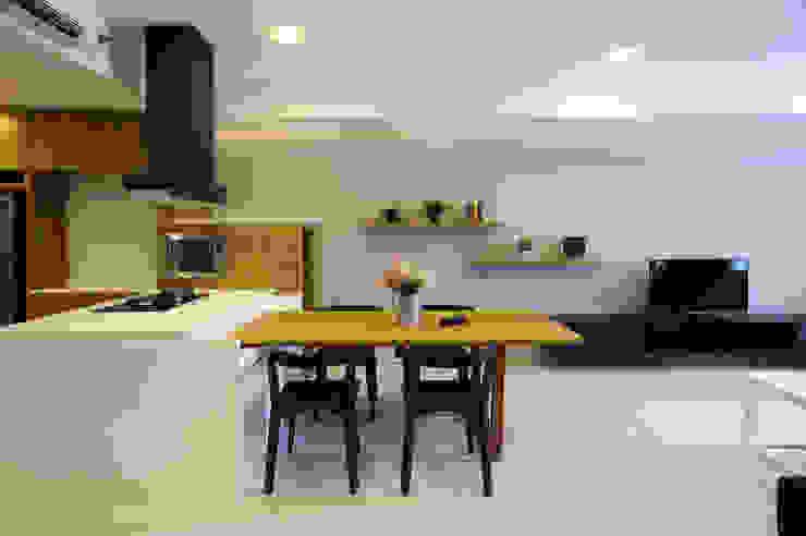 Dining Area Oleh TRE Studio