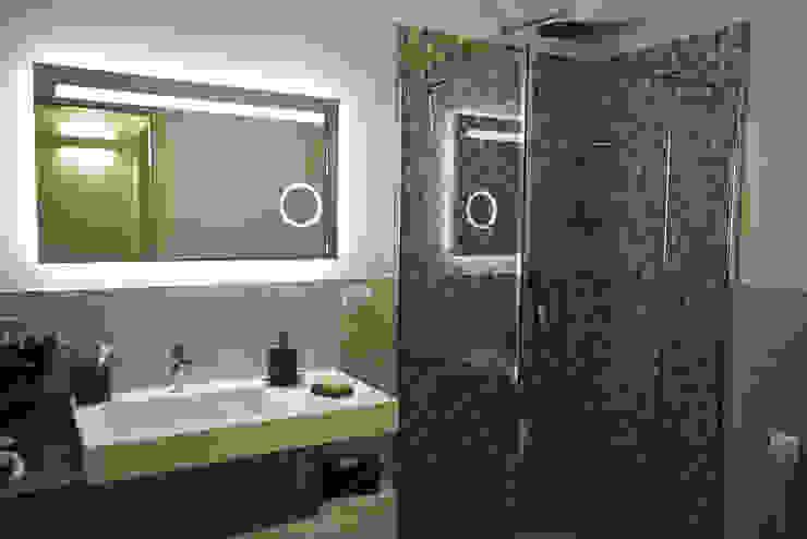 Studio Tecnico Progettisti Associati Ing. Marani Marco & Arch. Dei Claudia Salle de bain moderne
