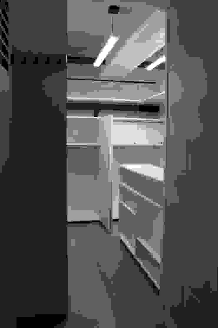 TP618 Wine cellar White