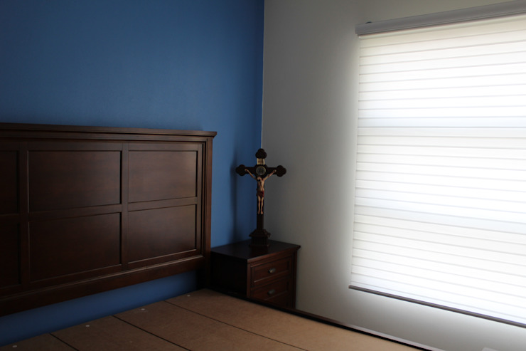 TP618 Eclectic style bedroom Wood Blue