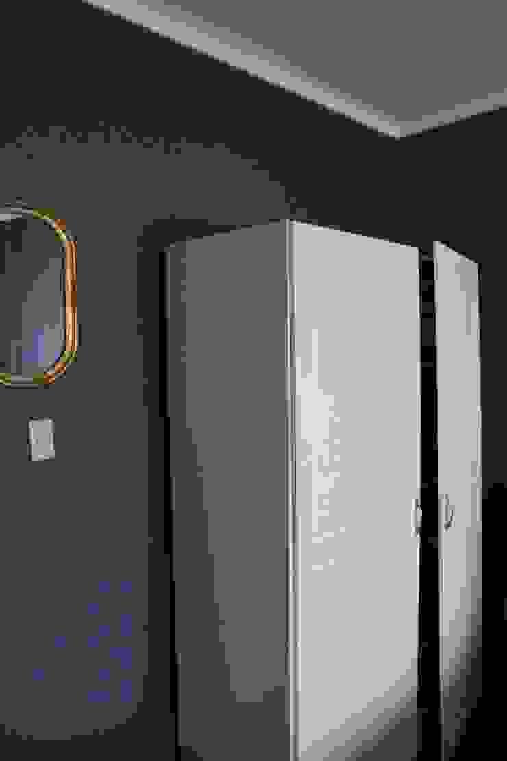 TP618 Eclectic style bedroom Aluminium/Zinc Blue