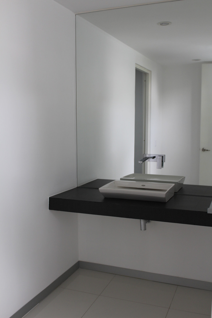 TP618 Modern Bathroom Concrete White
