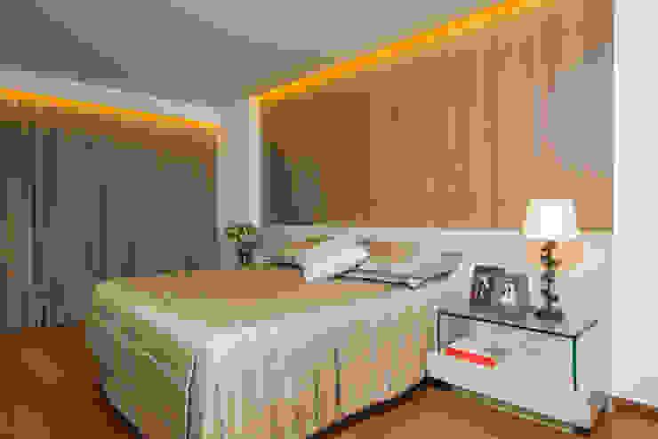 Schlafzimmer von Danielle Valente Arquitetura e Interiores, Modern