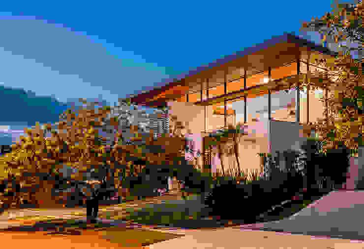 Moderne huizen van Ruschel Arquitetura e Urbanismo Modern