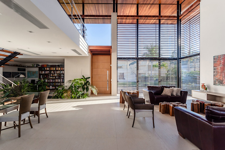 Modern windows & doors by Ruschel Arquitetura e Urbanismo Modern