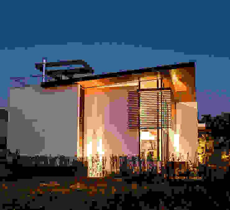Volumetrias que espelham modernidade Casas modernas por Ruschel Arquitetura e Urbanismo Moderno