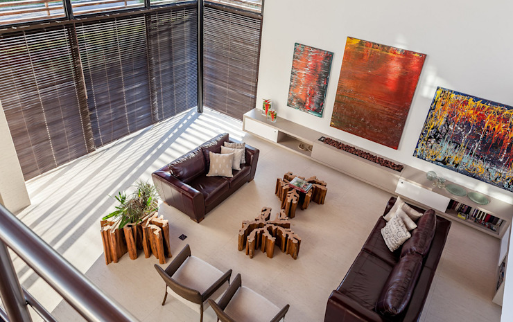 Moderne woonkamers van Ruschel Arquitetura e Urbanismo Modern