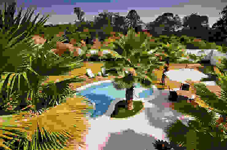 Jardin tropical par Maria Luiza Aceituno arquitetos Tropical