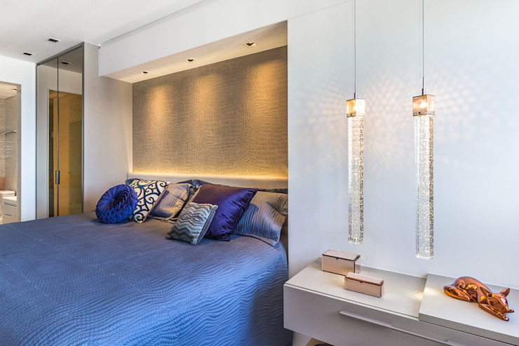 Arquitetura Sônia Beltrão & associados Modern Bedroom Amber/Gold