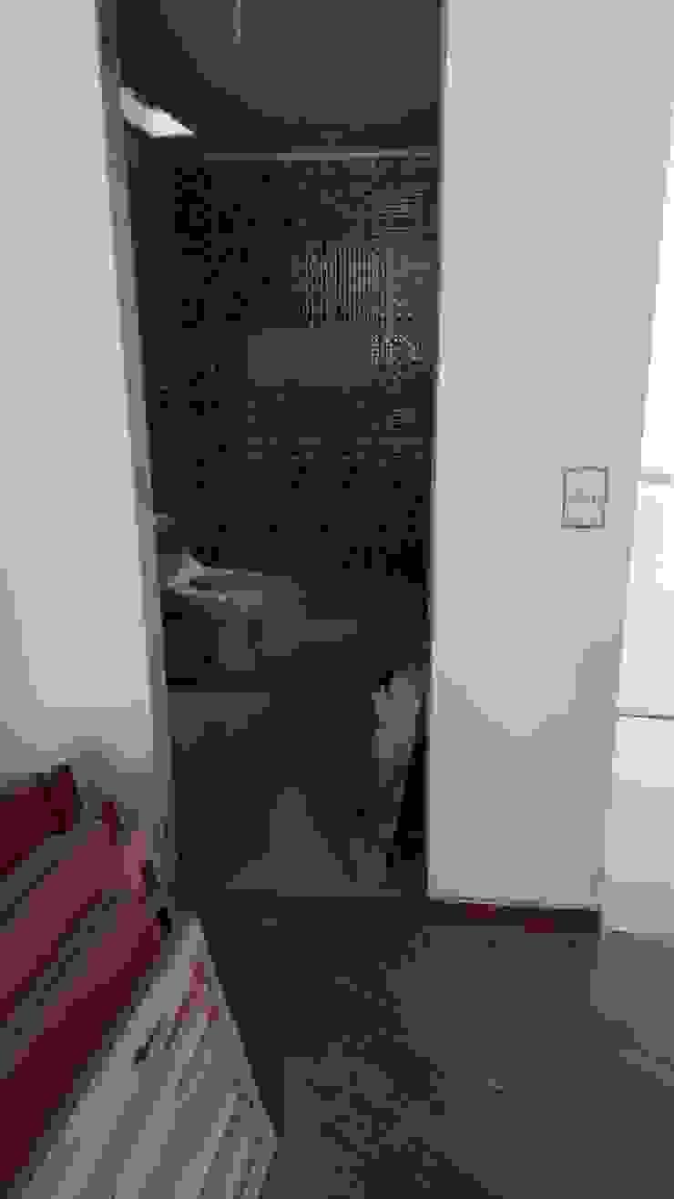 CASAS MODELIA. Baños de estilo moderno de CELIS & CELIS INGENIEROS CONSTRUCTORES S.A.S Moderno