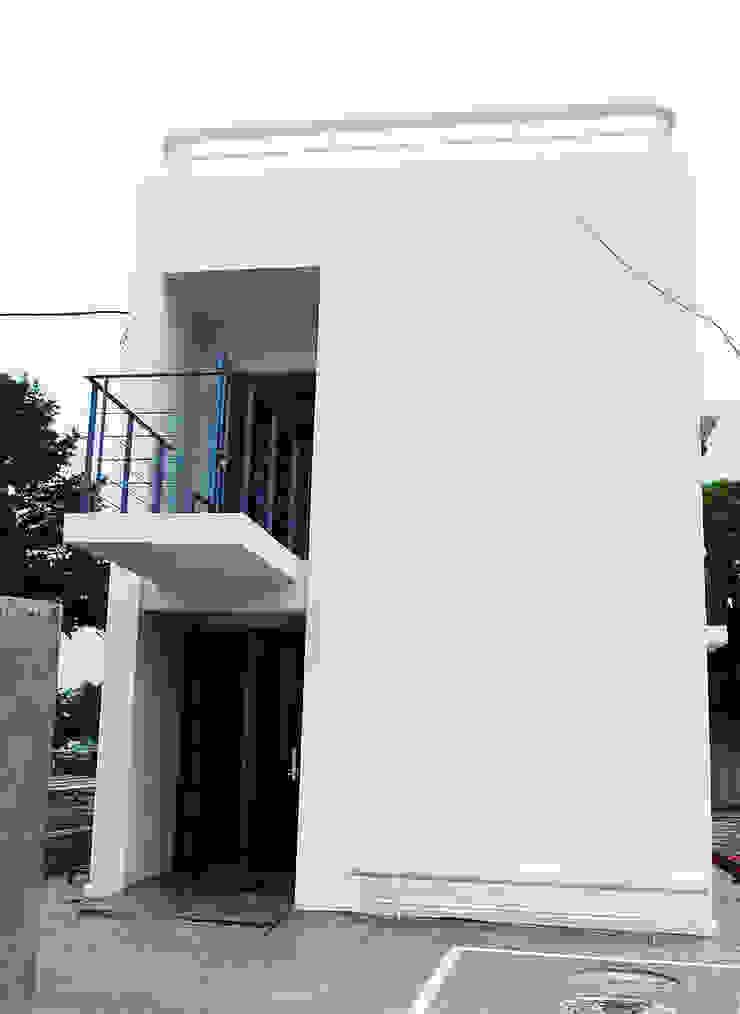 Modern houses by 디자인모리 Modern