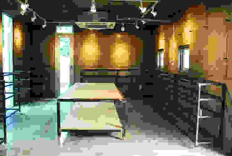 Modern style study/office by 디자인모리 Modern