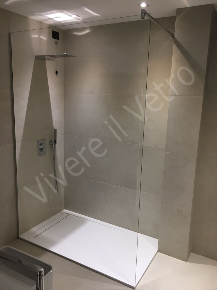 Parete fissa in vetro per box doccia Bagno minimalista di Vivere il Vetro Minimalista Vetro