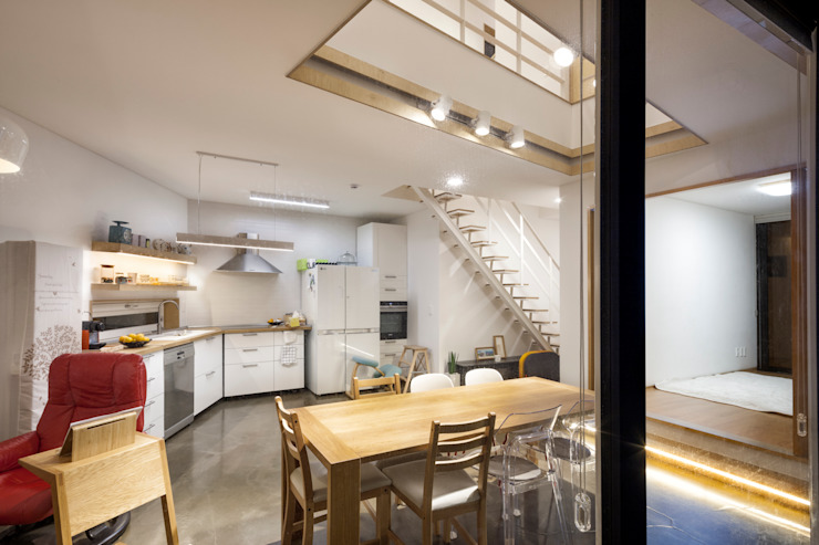 Modern kitchen by (주)유타건축사사무소 Modern