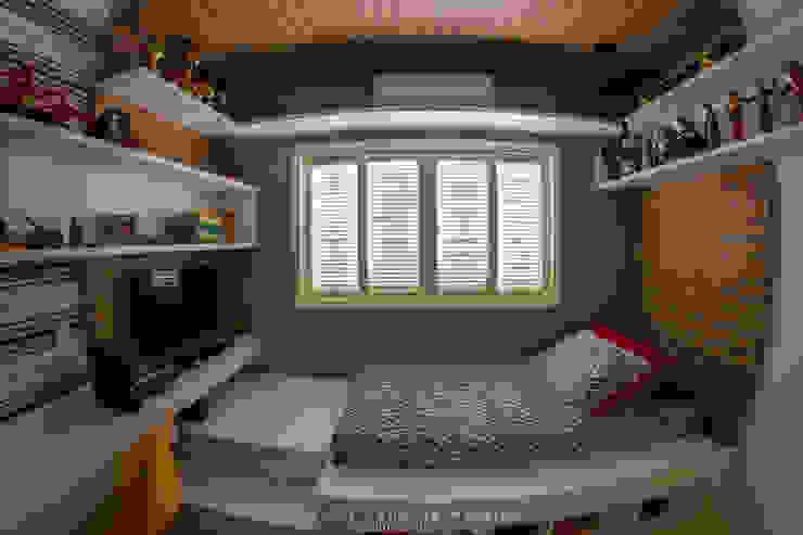Dormitório de Adolescente Cadu Martins Arquiteto e Urbanista Quartos de adolescente Derivados de madeira Cinza