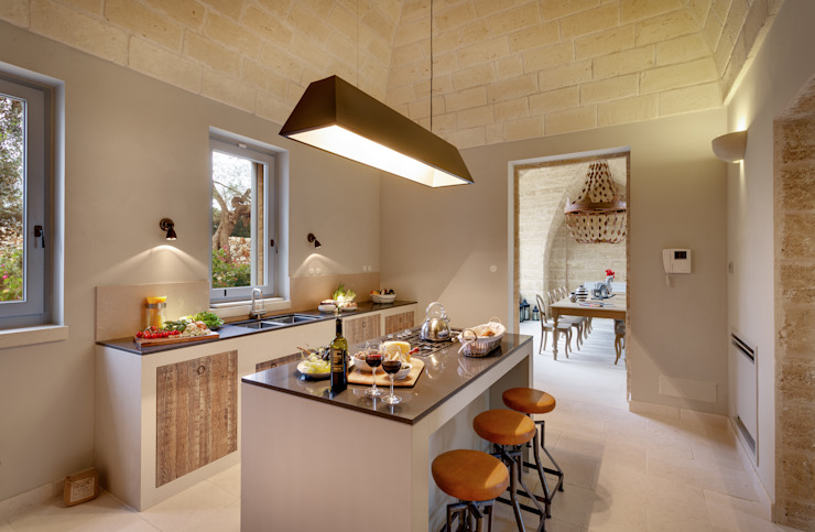Kitchen by architetto stefano ghiretti, Country