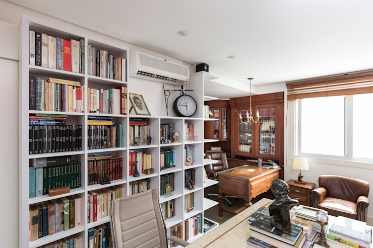 Classic style study/office by Kali Arquitetura Classic