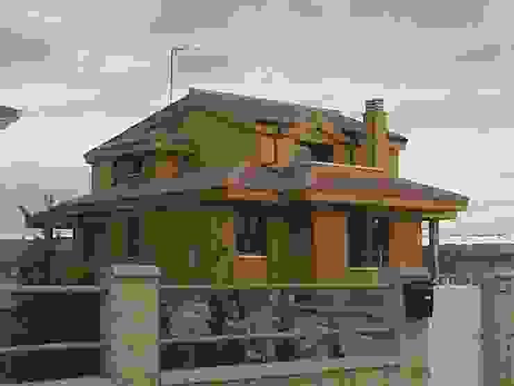 Vivienda Unifamiliar Casas de estilo rústico de Arquitecto César Carlón Rústico