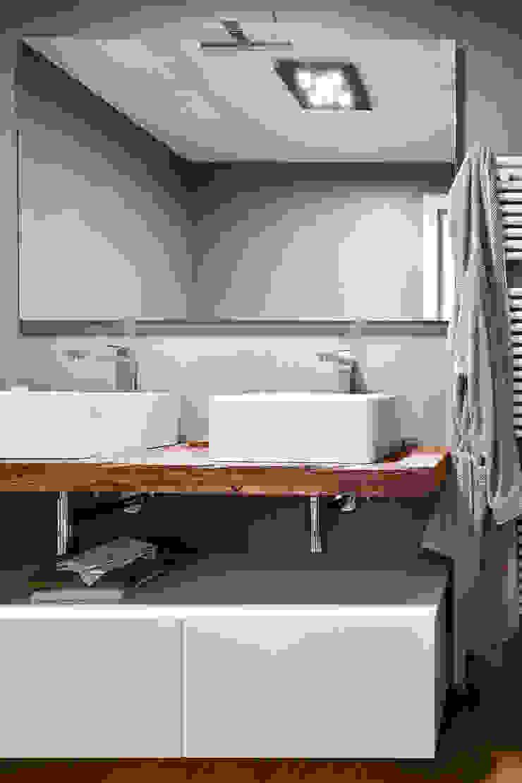 Moderne badkamers van Claude Petarlin Modern Hout Hout