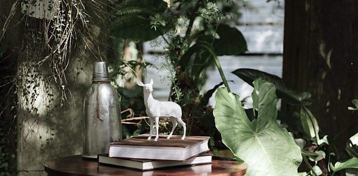 Haoshi Deer X PAPERWEIGHT: modern  by Just For Clocks,Modern Ceramic