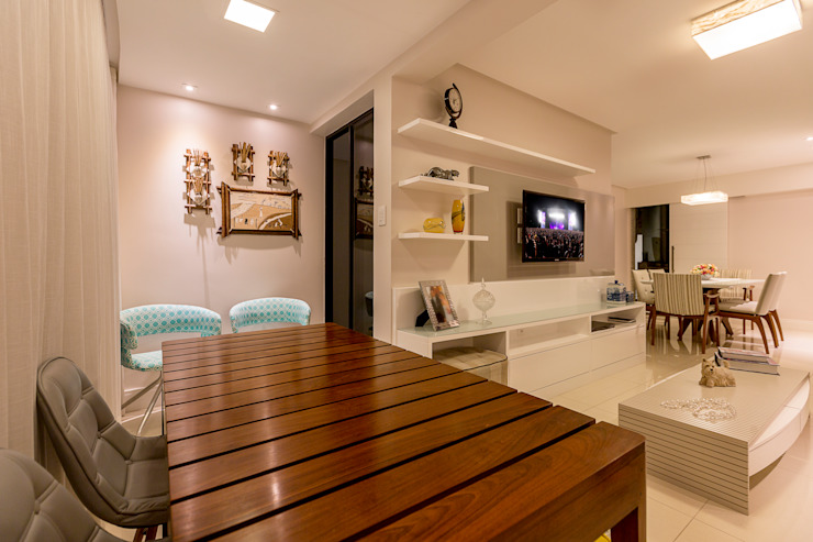 DM ARQUITETURA E ENGENHARIA Living room Solid Wood Beige