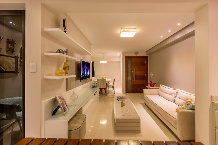 Eclectic style living room by DM ARQUITETURA E ENGENHARIA Eclectic MDF