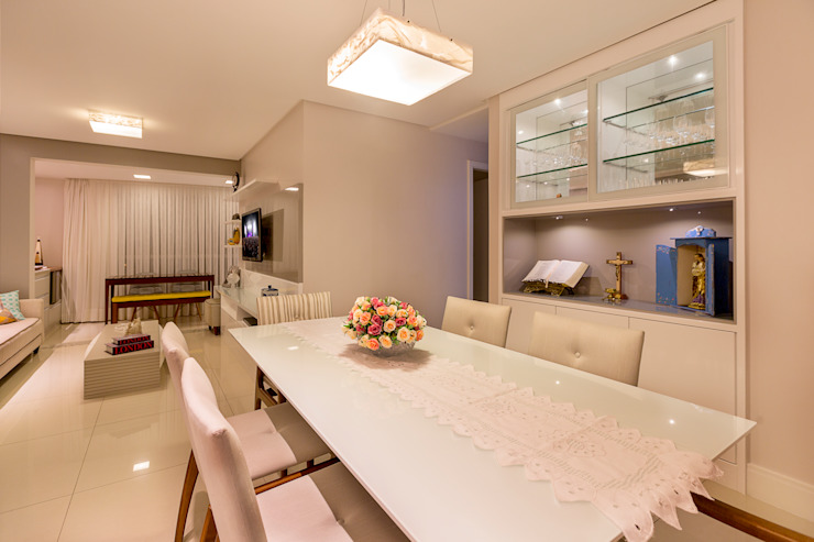 Eclectic style dining room by DM ARQUITETURA E ENGENHARIA Eclectic MDF