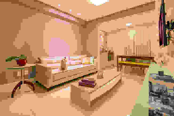 DM ARQUITETURA E ENGENHARIA Eclectic style dining room Concrete Grey