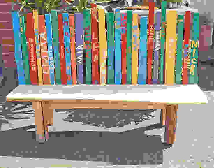 Holzbank für Außenbereich - von den Kindern bemalt Schreinerei & Innenausbau Fuchslocher Ausgefallene Schulen Mehrfarbig